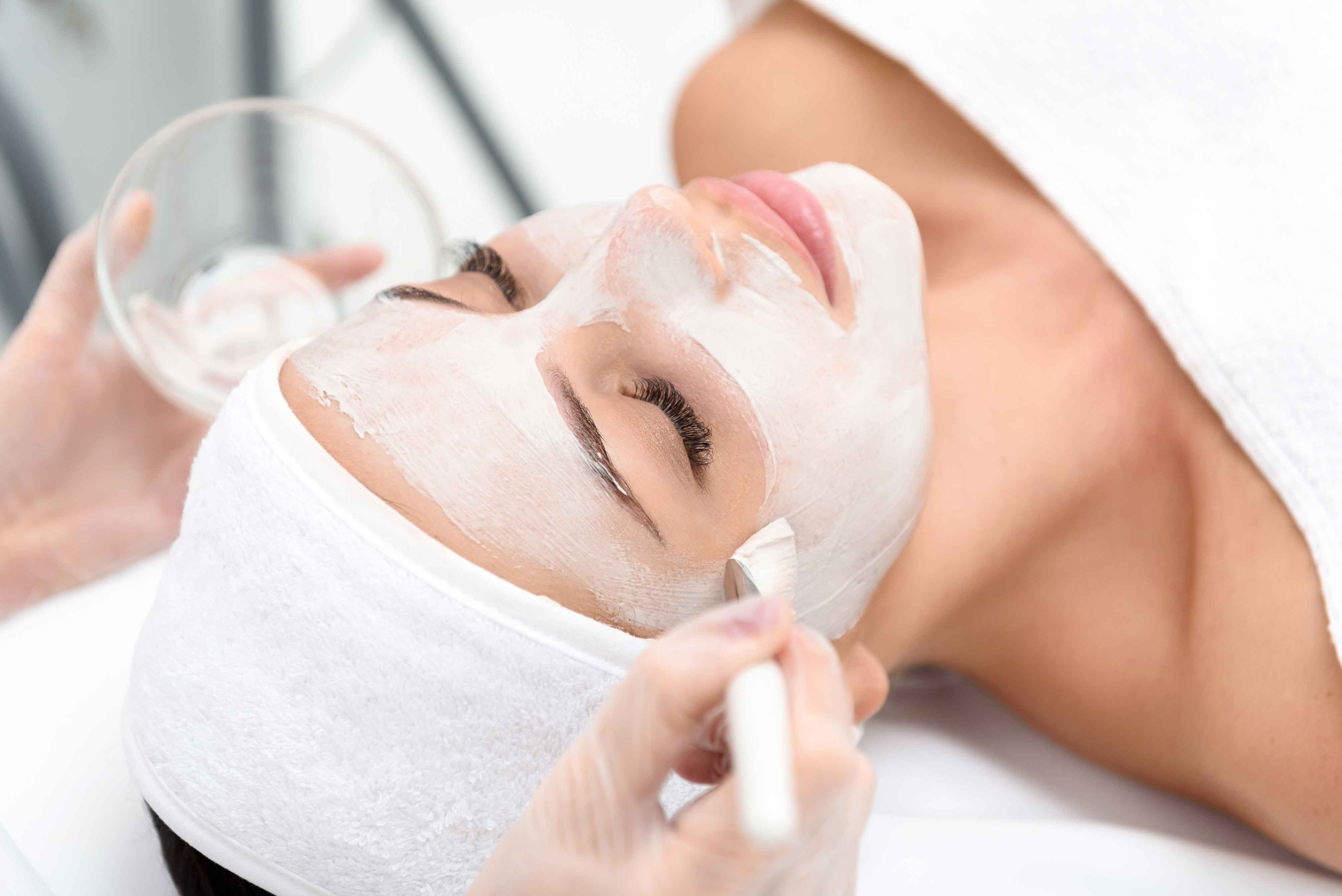 What is Mobile Beauty Therapist Insurance?   Salon Saver